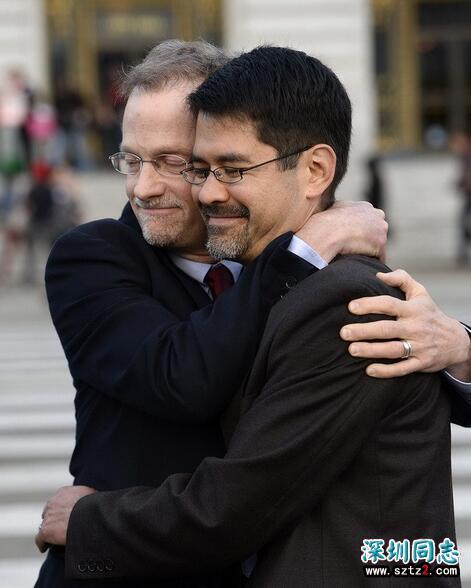 美国同性恋支持者庆祝高法判反同婚姻法违宪