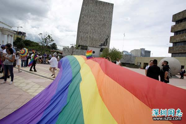 2女「同性性交」遭处6鞭刑+2万5罚款 法官:违反上帝旨意