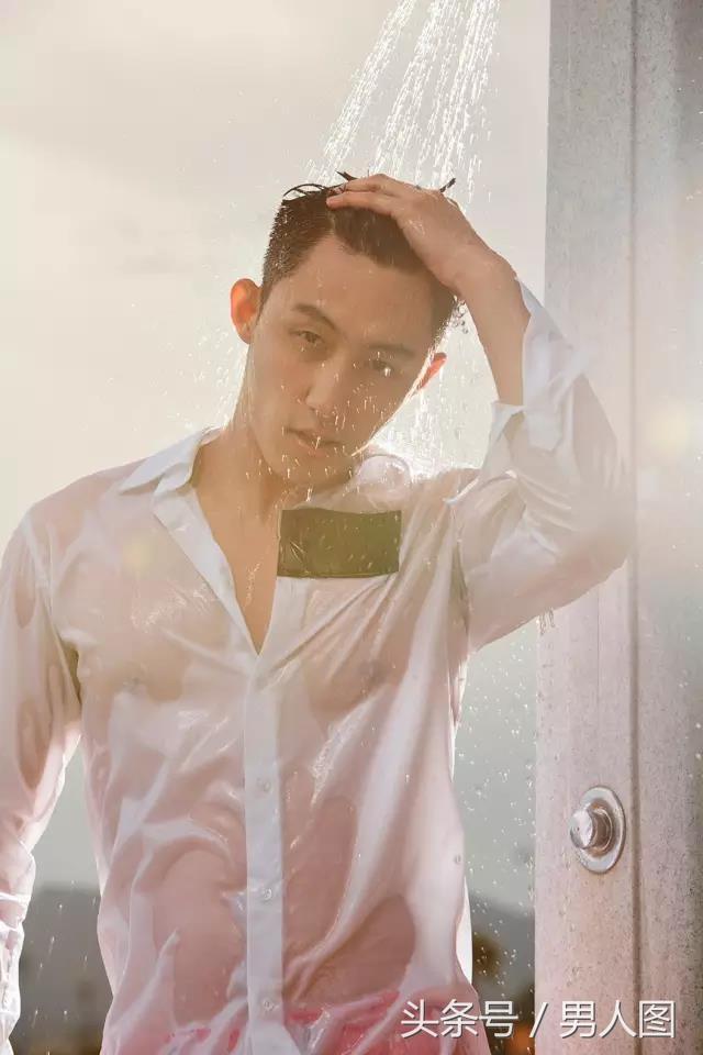 你们老公黄景瑜白衬衫湿身沐浴写真,简直燃爆了!